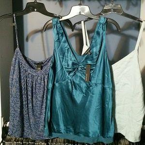 Womens blue sleeveless tops XL